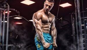 Evde Egzersiz Rutini: Triceps Kol Antrenmanı ile Daha İri Kol Kasları