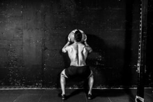 Sağlık Topuyla Yapabileceğiniz Bu Egzersiz ile Tricesplerinizi Güçlendirin!